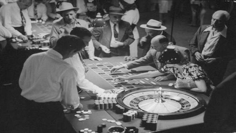 تاريخ ألعاب الكازينو والمقامرة